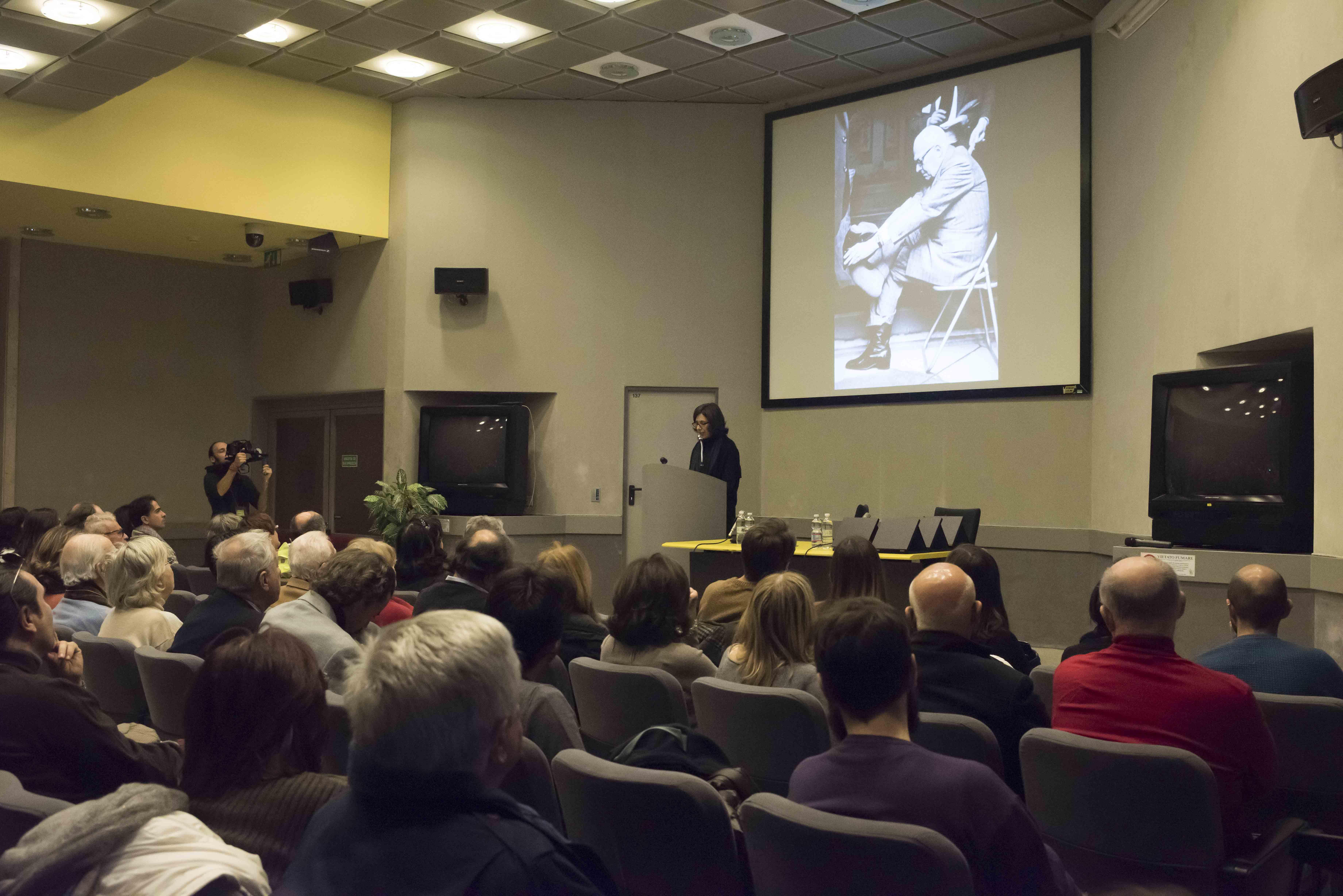 """Roma - Museo Nazionale Preistorico Etnografico """"Luigi Pigorini"""". Cerimonia di premiazione della III Edizione della Borsa di Studio Graffiti """"Rolando Fava"""" 2015."""